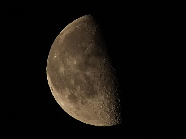 Mesec iznad Niša 1