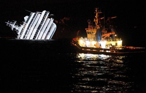 Slika dana: Olupina broda Costa Concordia [16.09.2013]