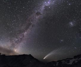 Tri galaksije i kometa [27.10.2013] 1