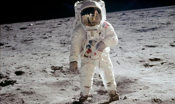 Slika dana: Apolo 11 - prvi ljudi na Mesecu [22.02.2014]