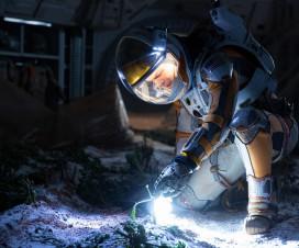 Astronauti nestrpljivo čekaju film :) 10